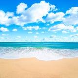Härliga tropiska havs- och strandlandskap Begrepp för sommarsemester för turism Naturparadis royaltyfri foto