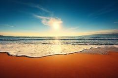 härligt över havssoluppgång royaltyfri fotografi