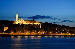 Härligt aftonlandskap av Budapest Matthias Church Royaltyfria Foton