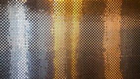 Härligt av den reflekterande mosaiska silver- och guldväggen royaltyfri foto