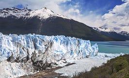 Härligt av en glaciär. Arkivfoto