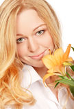härligt barn för blommaliljakvinna Royaltyfria Foton