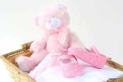 Härligt behandla som ett barn rosa färgskor Arkivfoto