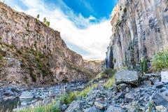 Härligt berg i den Colca kanjonen, Peru i Sydamerika Fotografering för Bildbyråer