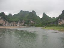 Härligt berg och flod i porslin Royaltyfri Foto