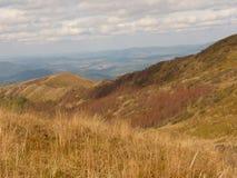 Härligt berghöstlandskap Bieszczady Royaltyfri Bild