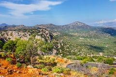 Härligt berglandskap, Katharo platå, Kreta, Grekland Arkivfoton