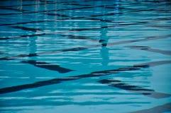härligt blått pölvatten Royaltyfri Fotografi