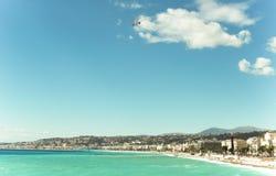 Härligt blått sommarhav och strand, blå horisont för havsvattenvåg Fotografering för Bildbyråer