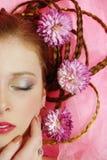 härligt blommaflickahår henne Royaltyfri Foto
