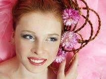 härligt blommaflickahår henne Fotografering för Bildbyråer