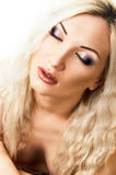 härligt blont hår long makeup royaltyfria foton