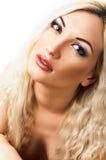 härligt blont hår long makeup royaltyfri fotografi