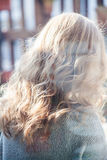 Härligt blont krabbt hår Royaltyfria Bilder