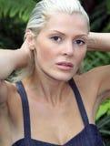 härligt blont kvinnabarn Royaltyfria Bilder