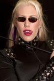 härligt blont solglasögonkvinnabarn royaltyfria foton
