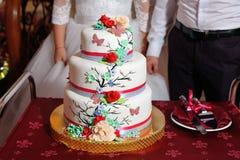 härligt cakebröllop royaltyfria foton