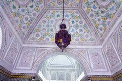 Härligt dekorerat tak i det Bardo museet, Tunis, Tunisien royaltyfri fotografi