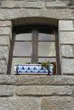 Härligt fönster med fönsterasken royaltyfria bilder