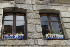Härligt fönster med fönsterasken royaltyfria foton
