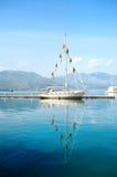 Härligt fartyg i havet av Gaeta, Italien Arkivbild