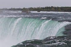 Härligt foto av det fantastiska Niagaraet Falls från kanadensisk sida Royaltyfri Bild