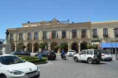 Härligt foto av det Front Facade Of The Tourism vandrarhemmet av Ronda arkivfoto