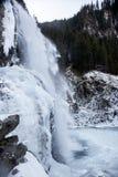 Härligt fryst landskap på de Krimml vattenfallen, Österrike Arkivbilder