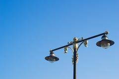 Härligt gataljus med blå himmel Royaltyfri Foto