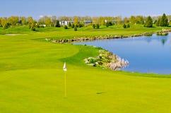 härligt golfställe Arkivfoton