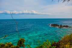 Härligt hav Apo Filippinerna, beskådar uppifrån Arkivbild