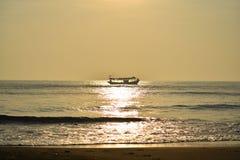 Härligt hav i morgonen royaltyfri fotografi