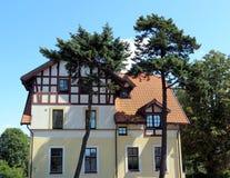 Härligt hus Arkivfoto