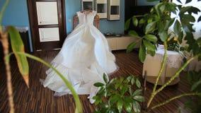 härligt klänningbröllop lager videofilmer