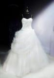 härligt klänningbröllop Arkivbilder