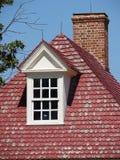 Härligt klassiskt kolonialt hus Arkivfoto