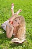 härligt kvinnabarn Fotografering för Bildbyråer