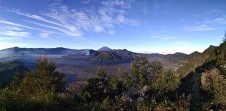 Härligt landskap av det Bromo berget Arkivbilder