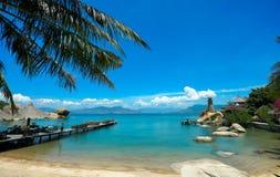 Härligt landskap av en ö Arkivfoton