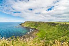 Härligt landskap av klippor i Irland, august 2016 Arkivfoton