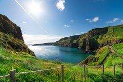 Härligt landskap av klippor i Irland, august 2016 Arkivbilder