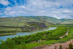 Härligt landskap av Snaket River som slingrar till och med öknen av Idaho Snaket River ger världsgrupp Arkivbild
