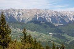Härligt landskap i det Bucegi berget royaltyfria bilder