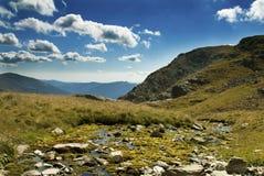 Härligt landskap i Fagaras berg royaltyfri fotografi