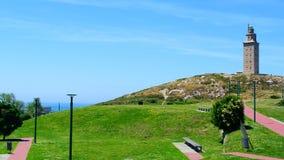 Härligt landskap med den ancian romerska fyren Royaltyfria Bilder