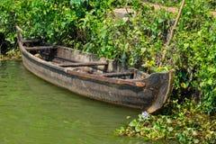 Härligt landskap med fiskebåtar, kanal Royaltyfri Foto