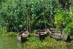 Härligt landskap med fiskebåtar, Kerala Arkivfoton