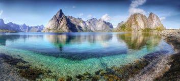 Härligt landskap, panorama, Lofoten Arkivfoton