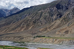 Härligt landskap som visar fantastisk textur på bergen Royaltyfri Foto