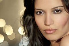 härligt latinamerikanskt latina kvinnabarn Fotografering för Bildbyråer